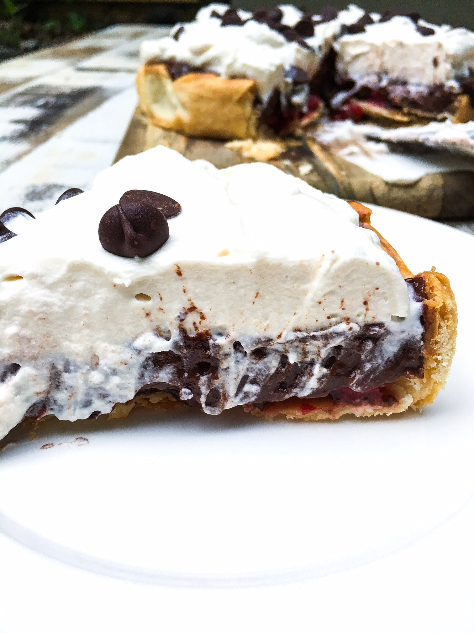 easy chocolate cherry pie